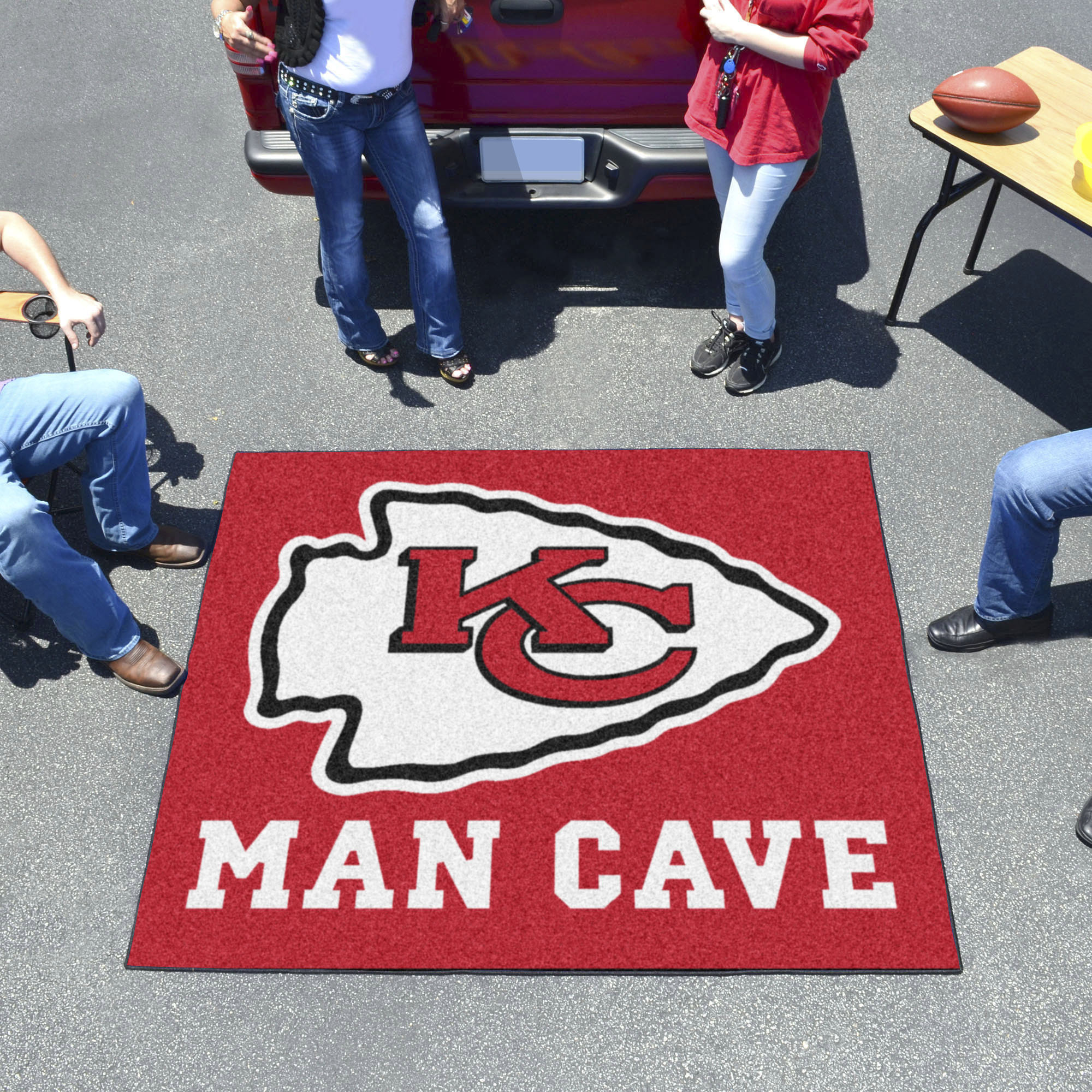 Kansas City Chiefs MAN CAVE TAILGATER 60 x 72 Rug