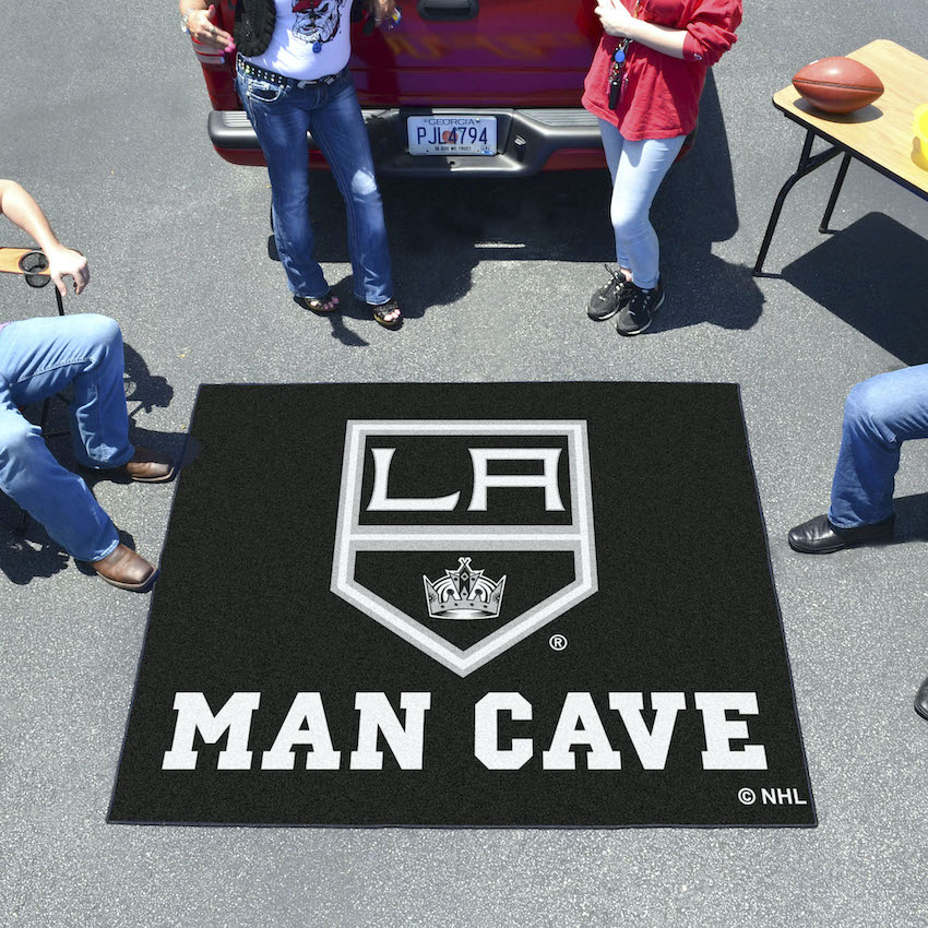 Los Angeles Kings MAN CAVE TAILGATER 60 x 72 Rug
