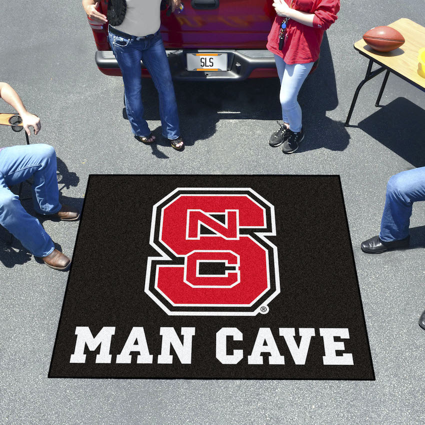 NC State Wolfpack MAN CAVE TAILGATER 60 x 72 Rug