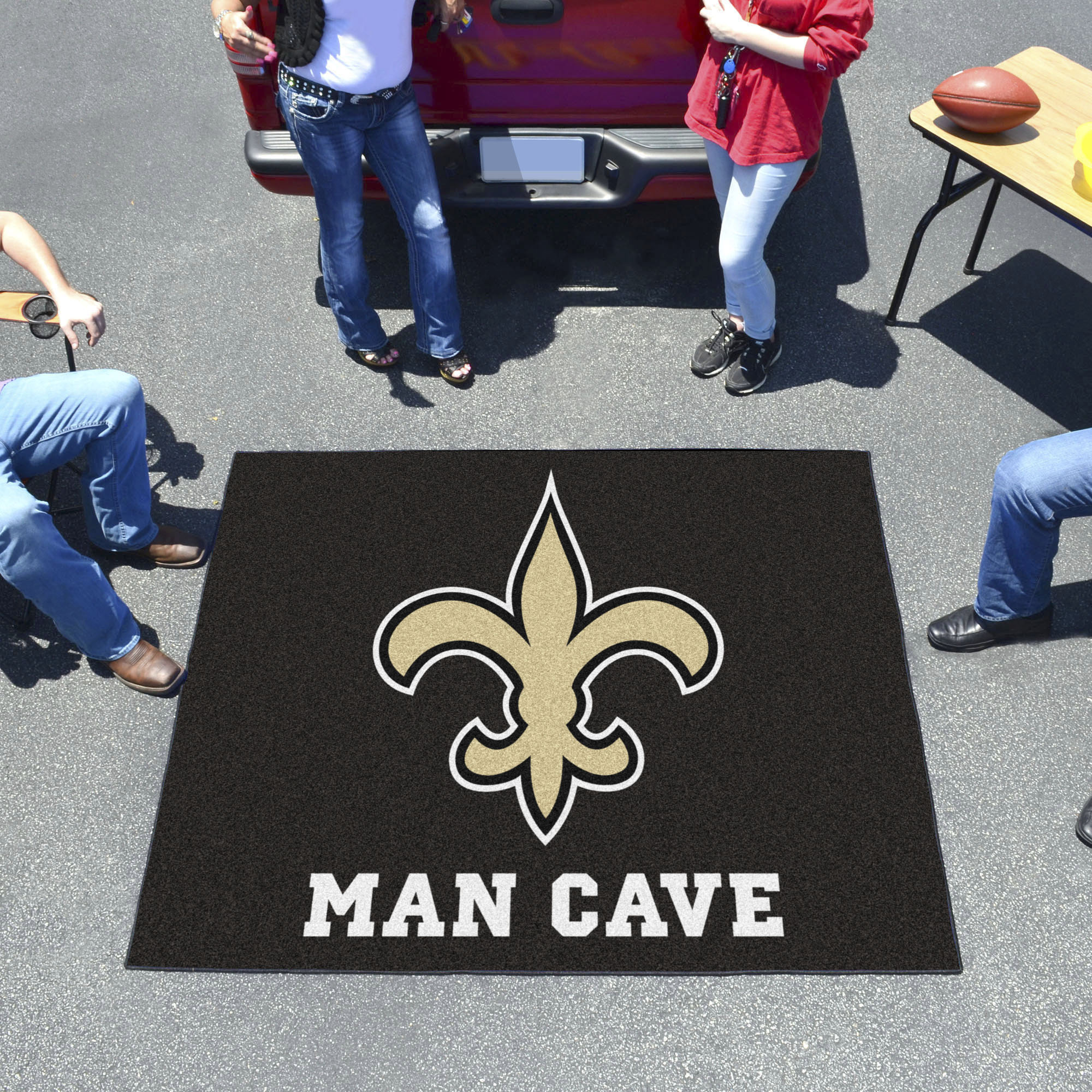 New Orleans Saints MAN CAVE TAILGATER 60 x 72 Rug