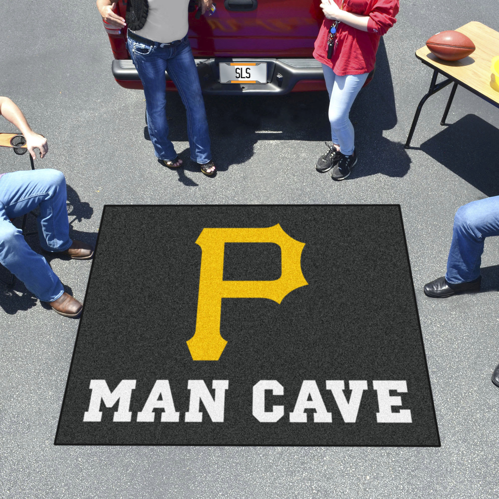 Pittsburgh Pirates MAN CAVE TAILGATER 60 x 72 Rug