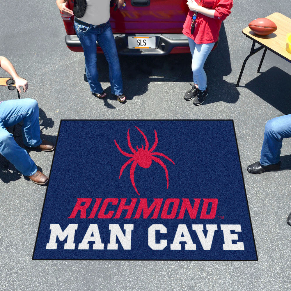 Richmond Spiders MAN CAVE TAILGATER 60 x 72 Rug