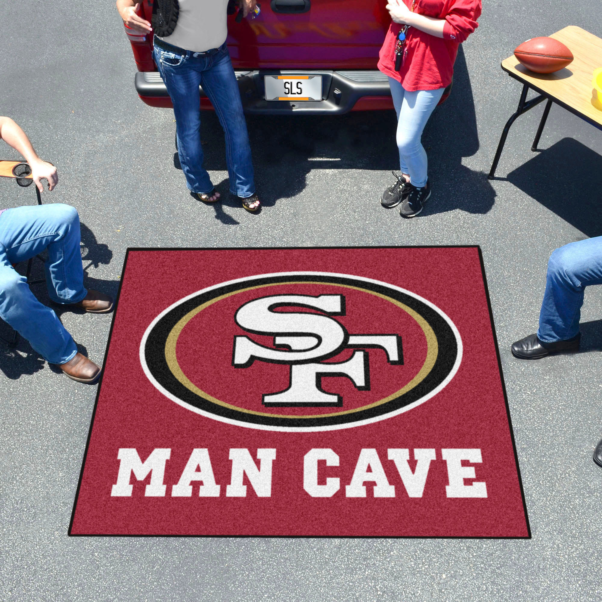 San Francisco 49ers MAN CAVE TAILGATER 60 x 72 Rug