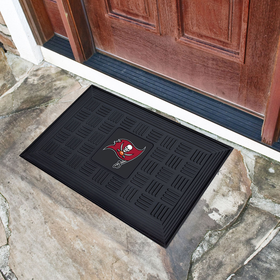 Tampa Bay Buccaneers MEDALLION Vinyl Door Mat