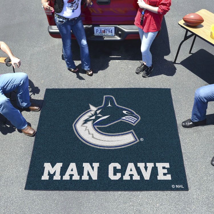 Vancouver Canucks MAN CAVE TAILGATER 60 x 72 Rug