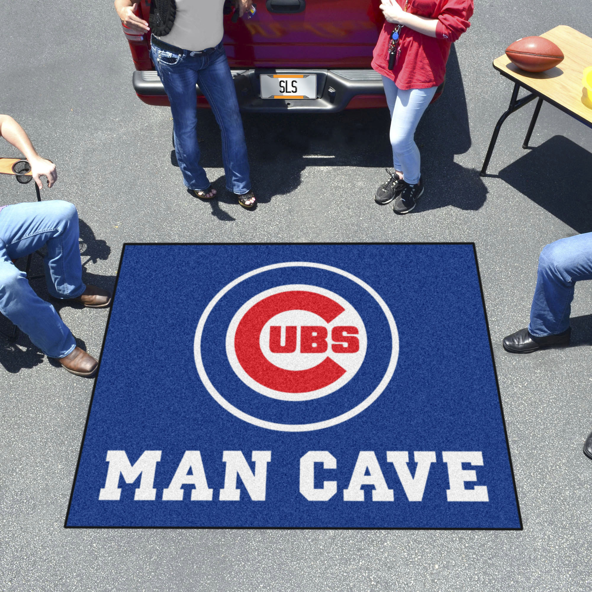 Chicago Cubs MAN CAVE TAILGATER 60 x 72 Rug
