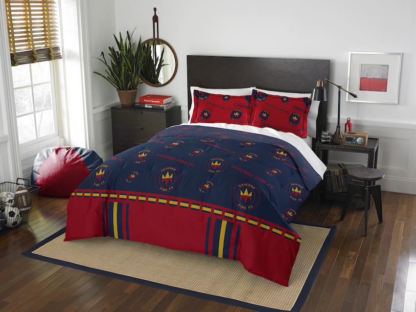 Chicago Fire QUEEN/FULL size Comforter and 2 Shams
