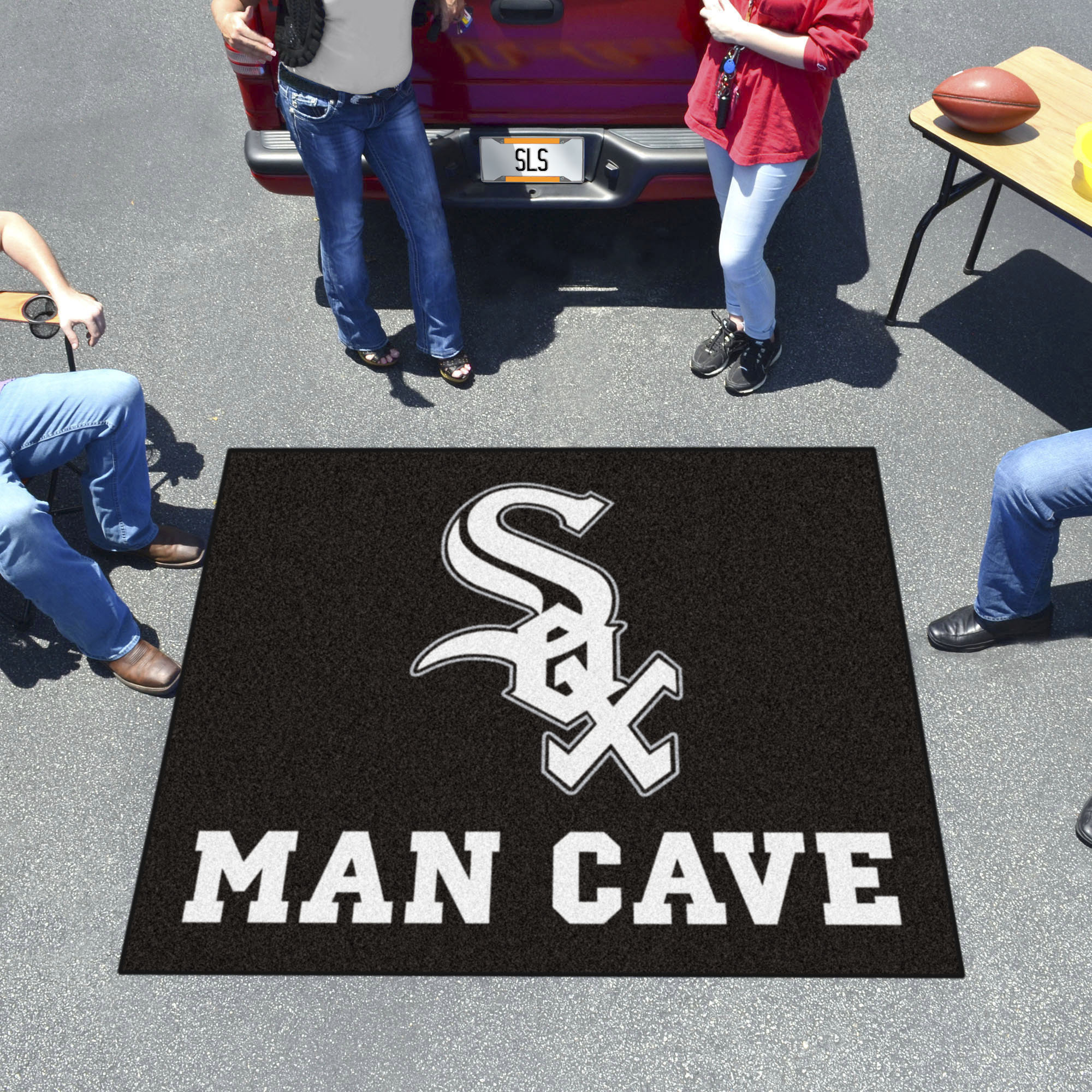 Chicago White Sox MAN CAVE TAILGATER 60 x 72 Rug