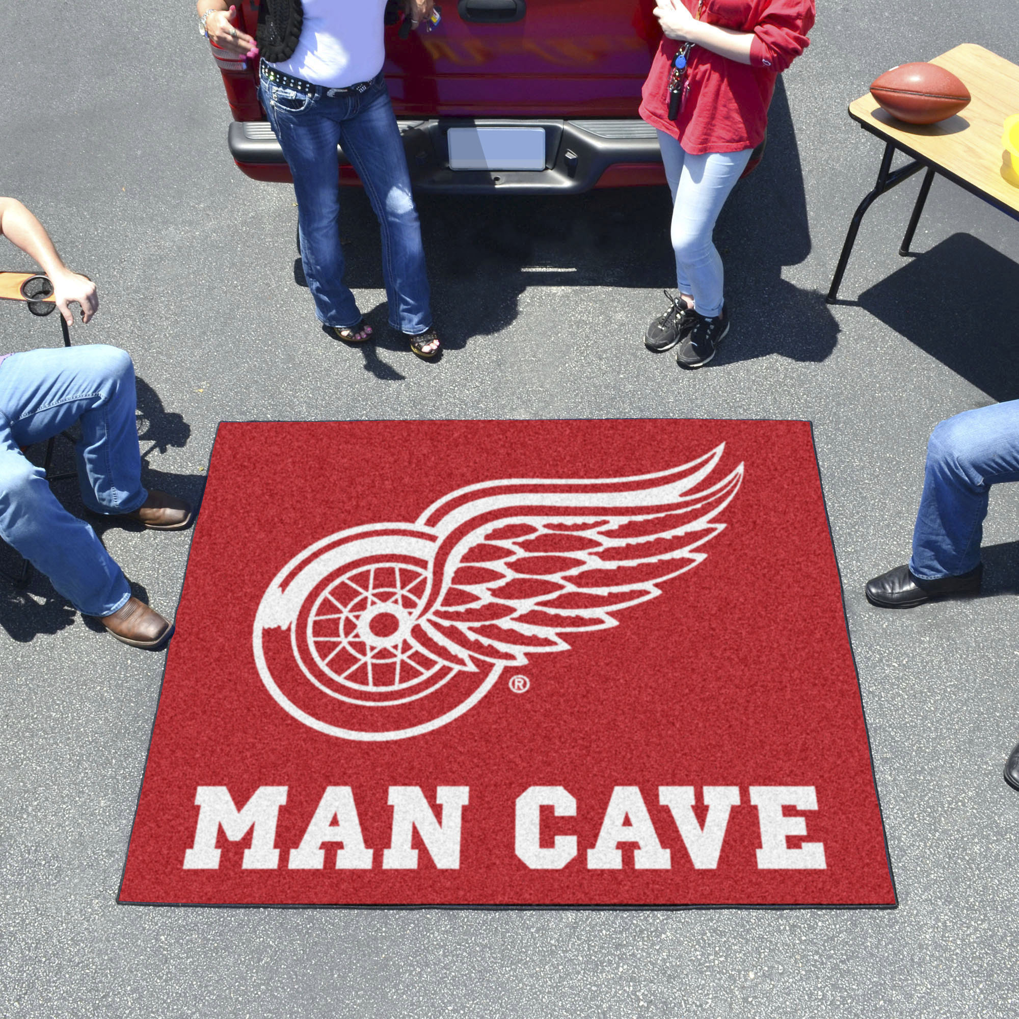 Detroit Red Wings MAN CAVE TAILGATER 60 x 72 Rug