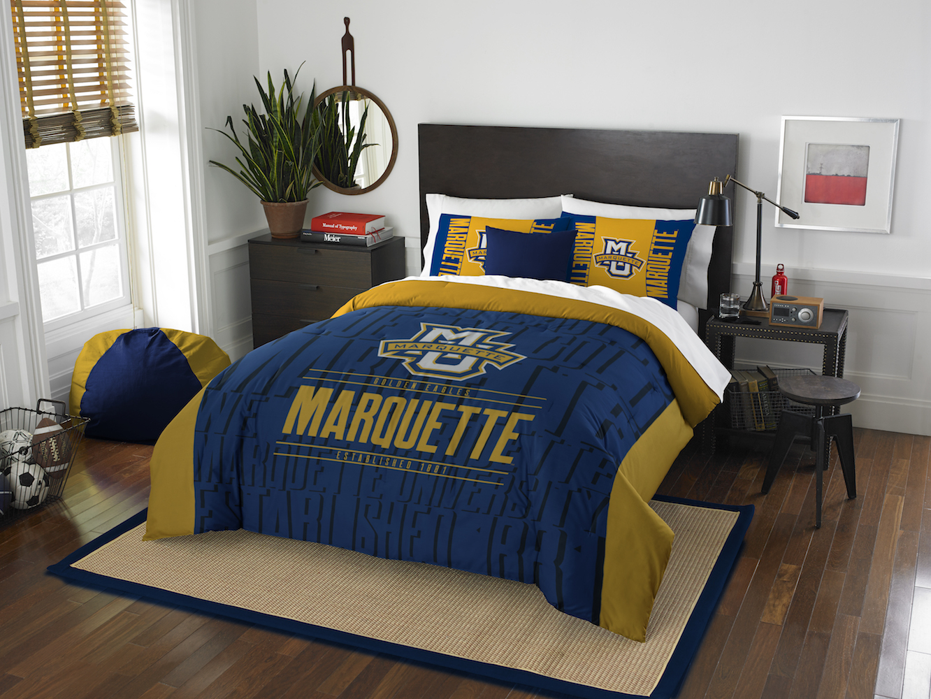 Marquette Golden Eagles QUEEN/FULL size Comforter and 2 Shams