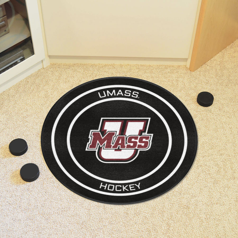 Massachusetts Minutemen Round Hockey Puck Mat