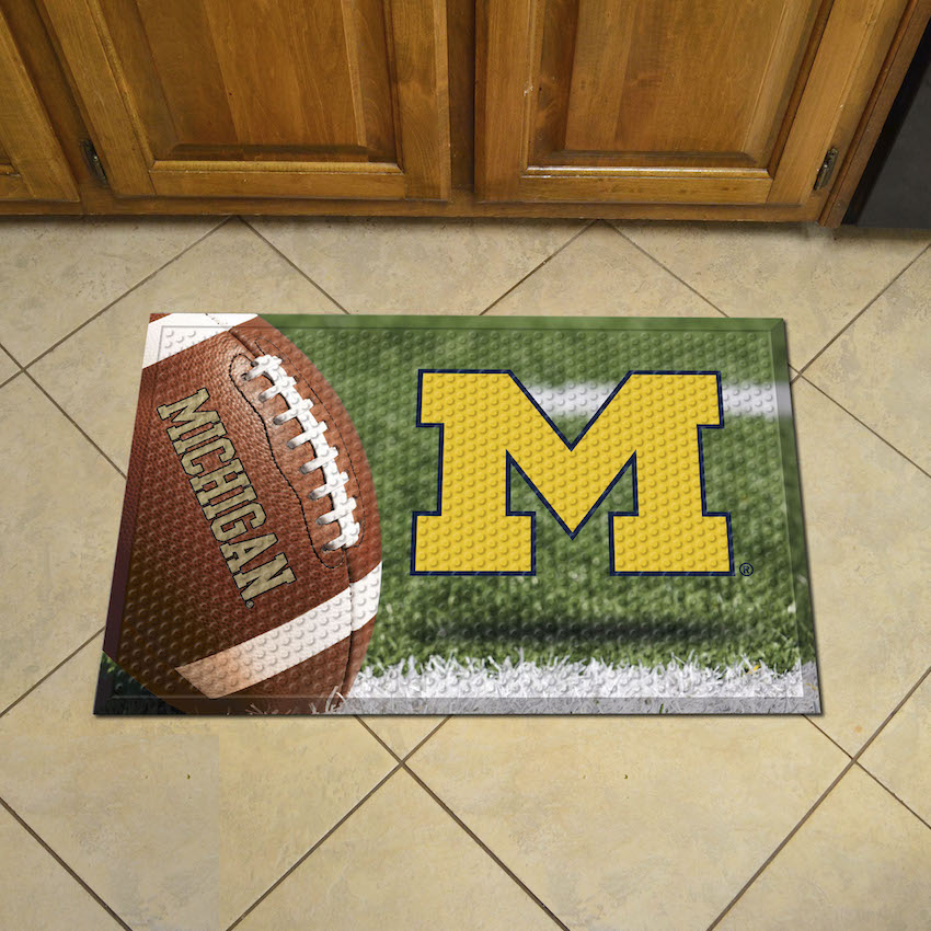 Michigan Wolverines Ball Style SCRAPER Door Mat