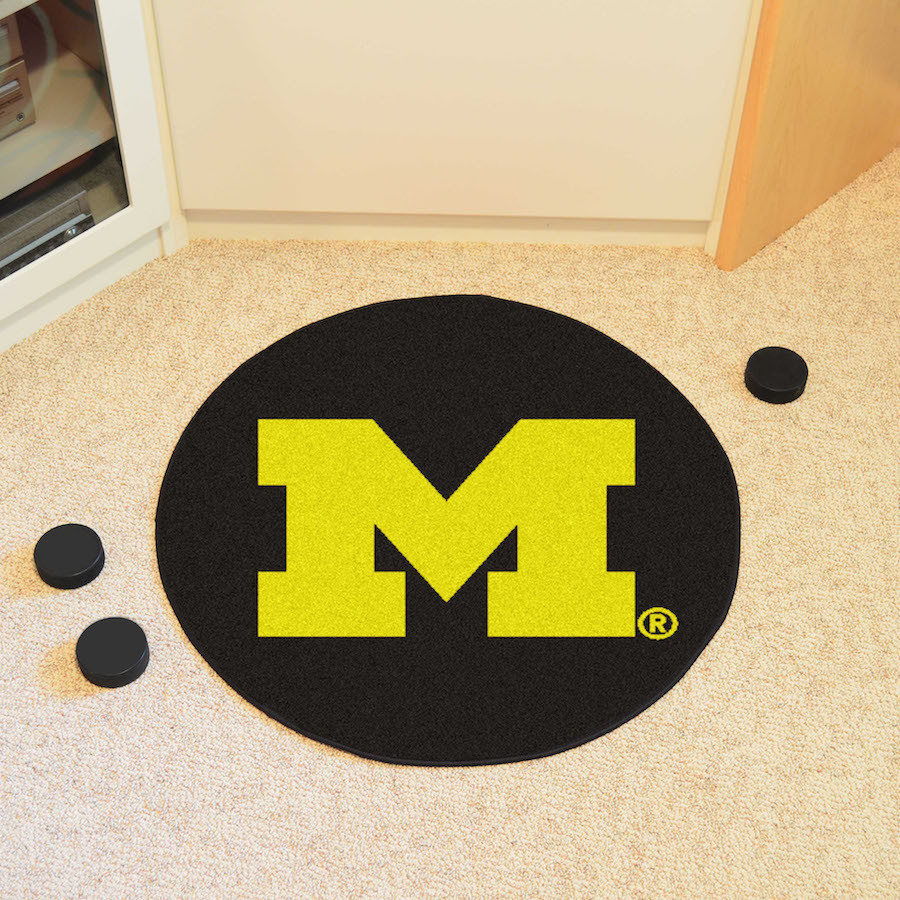 Michigan Wolverines Round Hockey Puck Mat