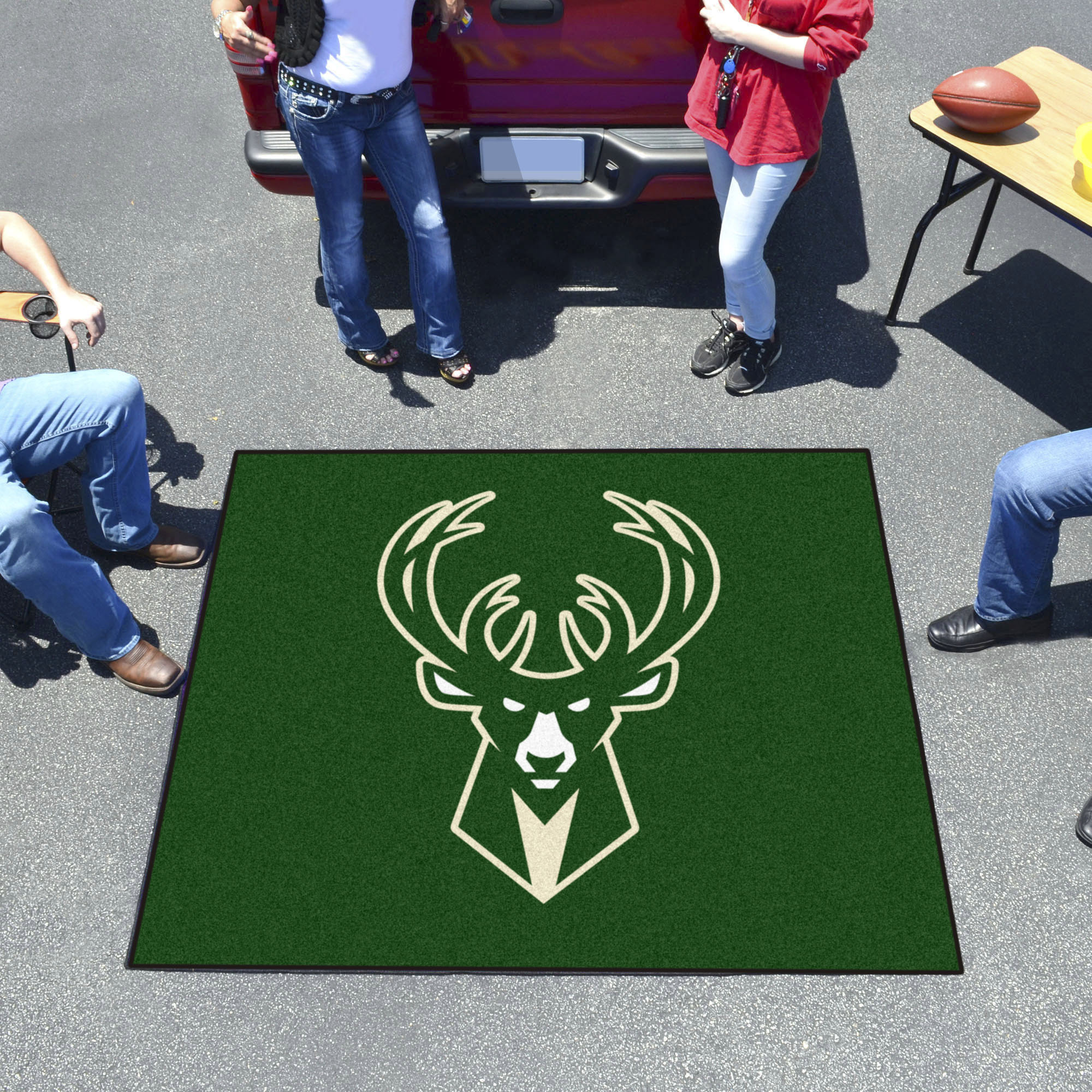 Milwaukee Bucks TAILGATER 60 x 72 Rug