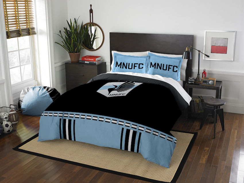 Minnesota United QUEEN/FULL size Comforter and 2 Shams
