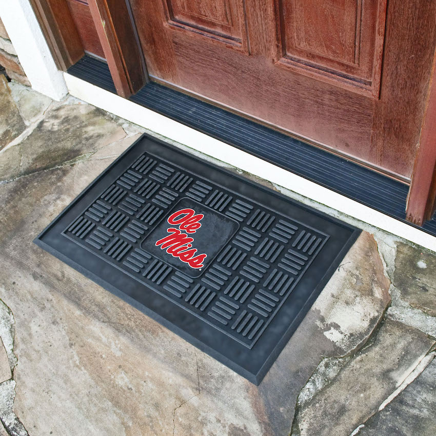 Mississippi Rebels MEDALLION Vinyl Door Mat