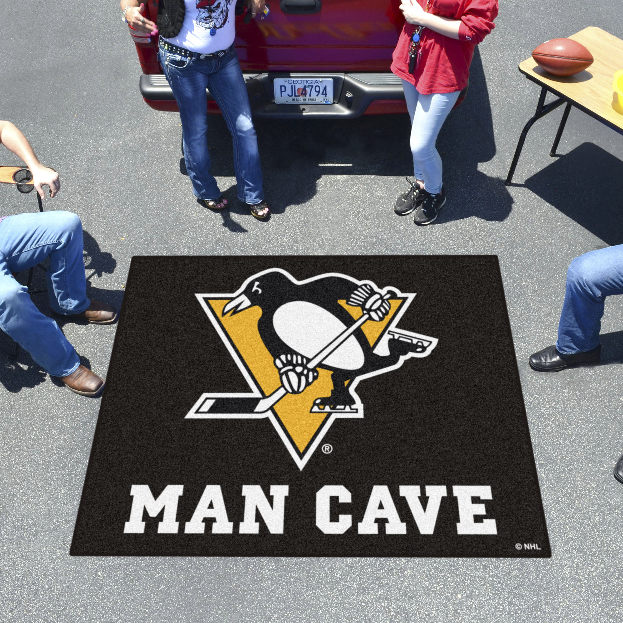 Pittsburgh Penguins MAN CAVE TAILGATER 60 x 72 Rug