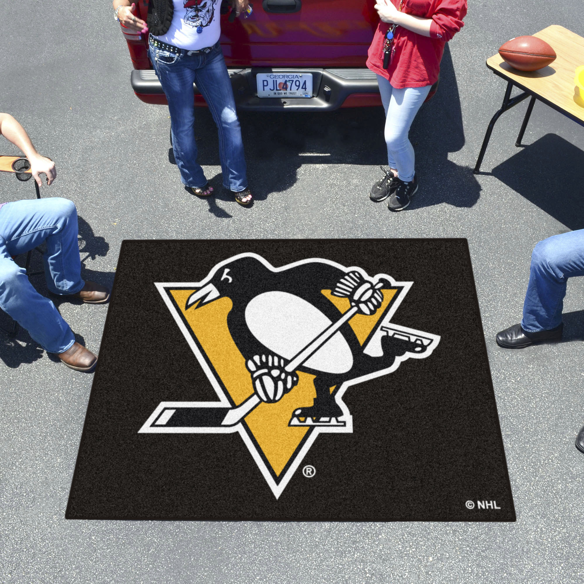 Pittsburgh Penguins TAILGATER 60 x 72 Rug