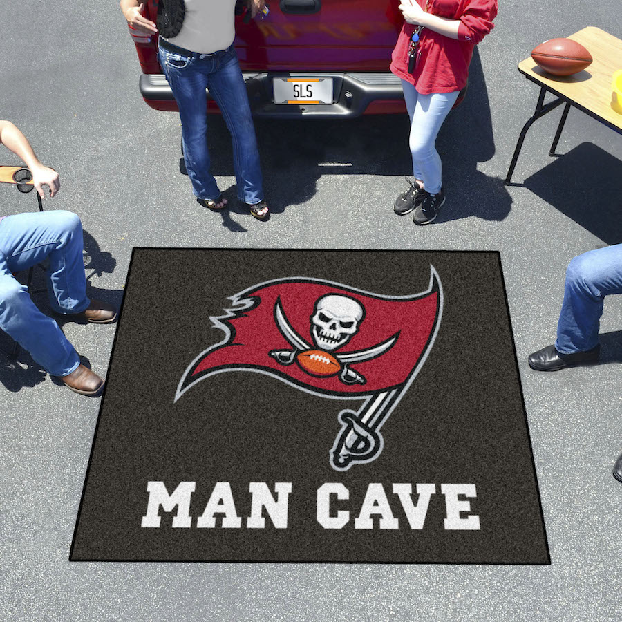 Tampa Bay Buccaneers MAN CAVE TAILGATER 60 x 72 Rug